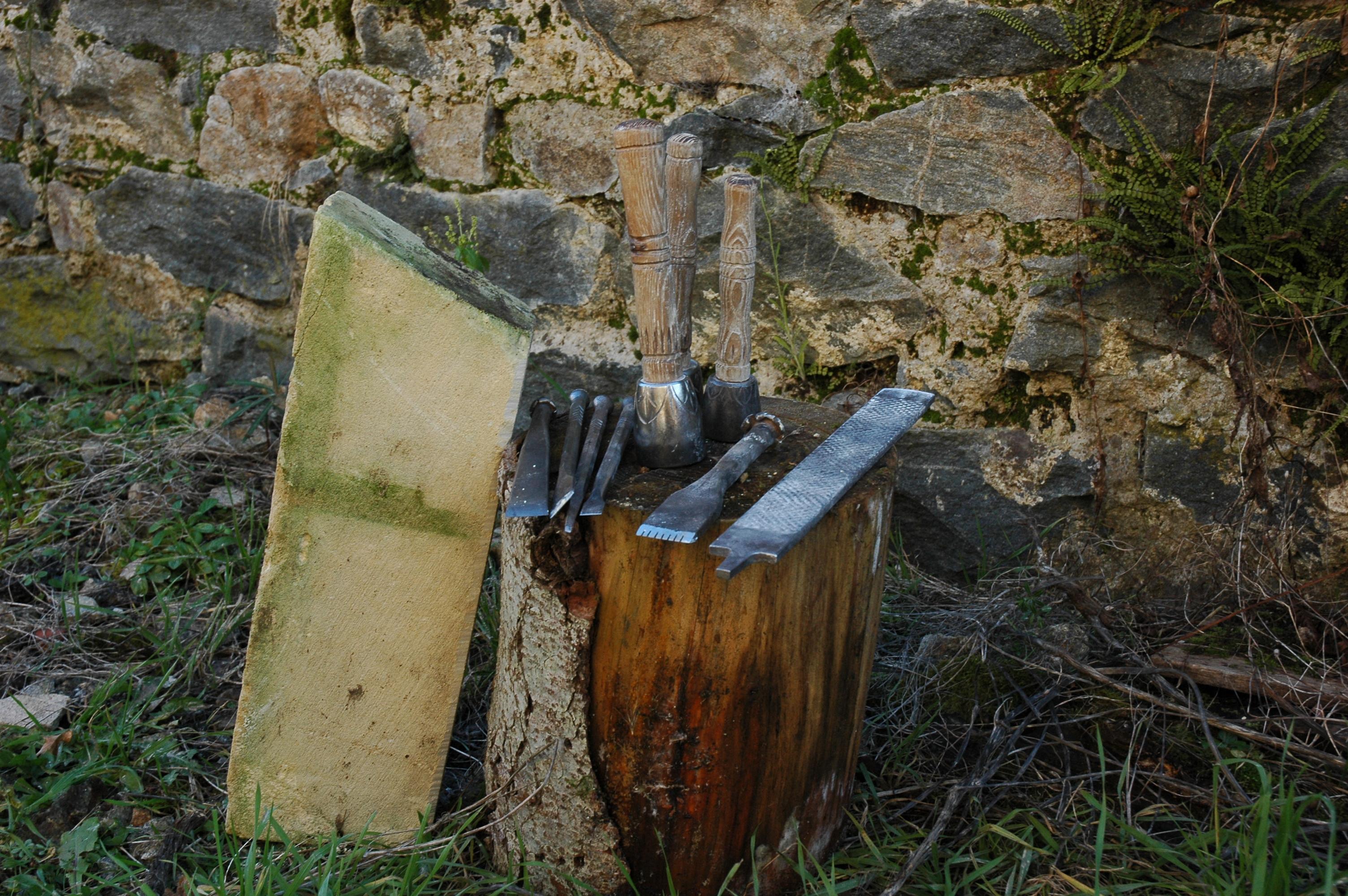 workshop Frankrijk beeldhouwen gereedschap